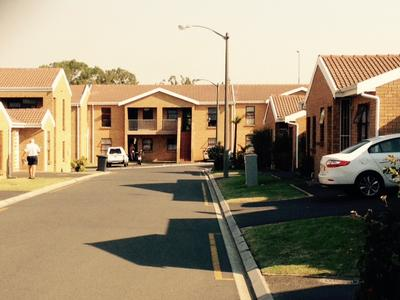 Property For Rent in Oakglen, Bellville