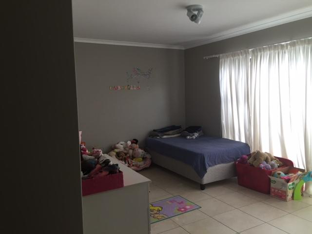 Property For Rent in Burgundy Estate, Milnerton 16