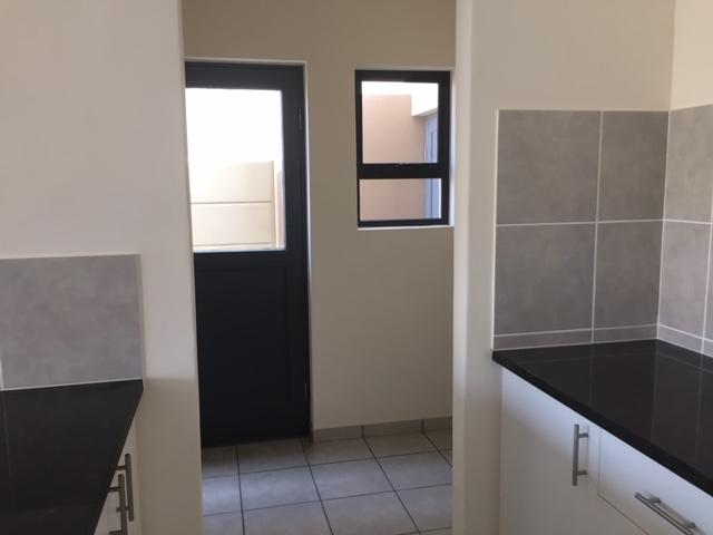 Property For Rent in Parklands, Cape Town 20