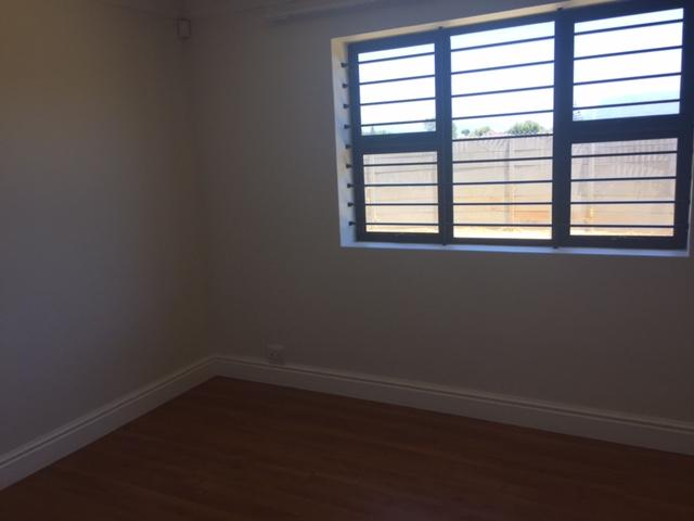 Property For Rent in Rylands, Cape Town 7
