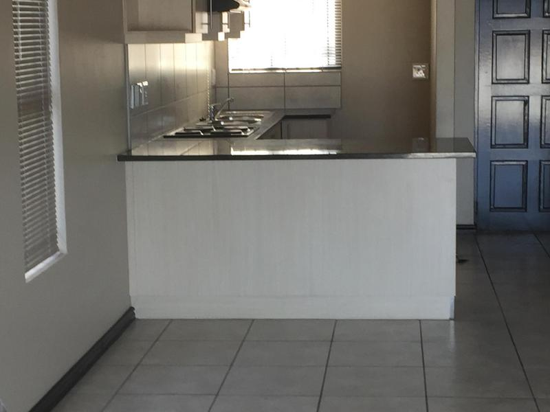 Property For Rent in Langeberg Ridge, Cape Town 4