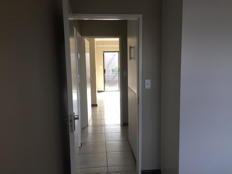 Property For Rent in Langeberg Ridge, Cape Town 12