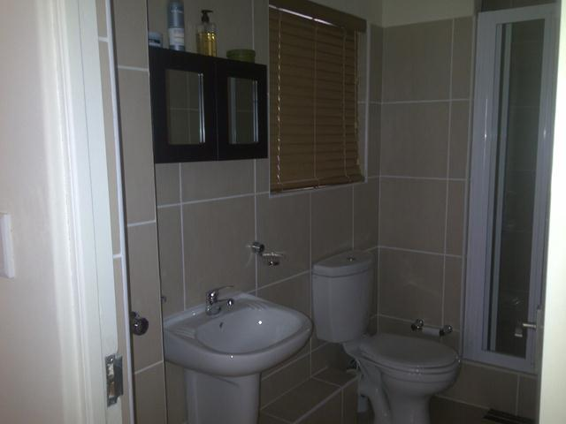 Property For Rent in Rondebosch East, Cape Town 14